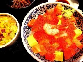 Mixed sushi bowl - Dondonya Honten in Tsim Sha Tsui