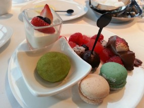 The green tea mochi is very good ! - Harlan's in Tsim Sha Tsui