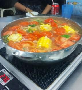 蕃茄薯仔湯底 - 力奇四季火鍋 in Tai Kok Tsui