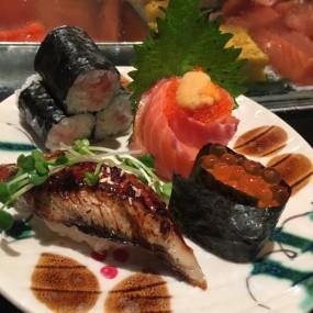 三文魚子,鰻魚,花之戀 - Sushi Tokumi in Tsim Sha Tsui