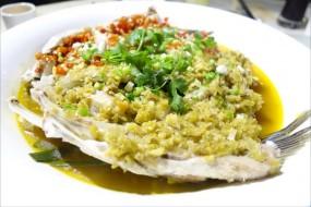 鴛鴦椒蒸大魚頭 - 佐敦的臥龍莊精品川菜館