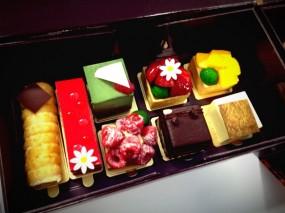 美式芝士蛋糕、野莓法式蛋白杏仁餅、脆心朱古力蛋糕 - 中環的文華餅店